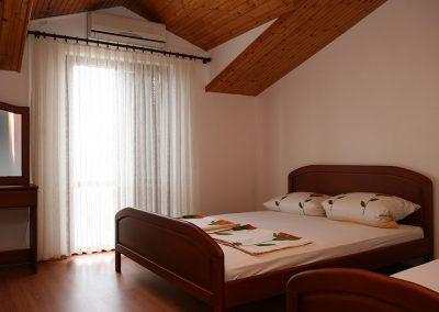 Appartement-Lavanda-2.OG-Schlafzimmer1-01