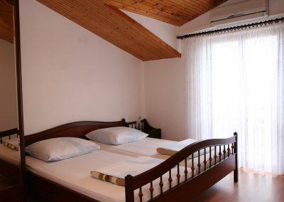 Appartement-Lavanda-2.OG-Schlafzimmer3-02