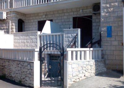 Appartement-Ruzmarin-Hochparterre-Eingang