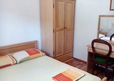 Appartement-Ruzmarin-Hochparterre-Schlafzimmer-2-05